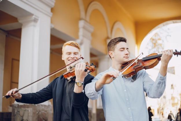 Kerel met viool