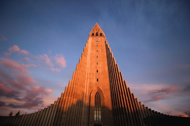 Kerk monument