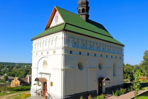 Kerk van de heiligen petr en pavel in chigirin, oekraïne
