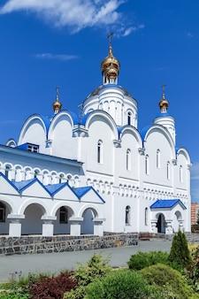 Kerk van de transfiguratie chebarkul, regio tsjeljabinsk, rusland