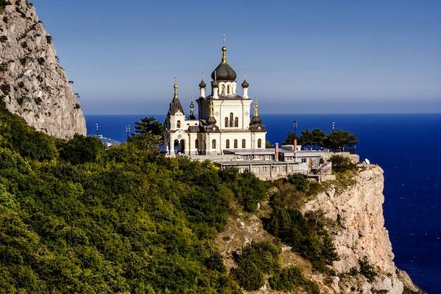 Kerk van de wederopstanding van christus (kerk op de rots), foros, de krim, oekraïne.