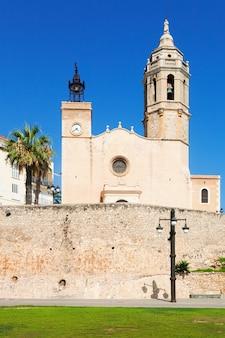 Kerk van sant bartomeu in santa tecla in sitges