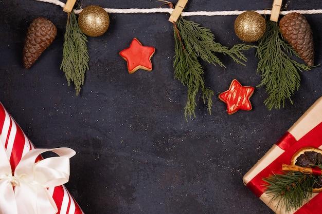 Kerst achtergrond met geschenkdozen en kerstmisspeelgoed