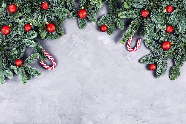 Kerst achtergrond met rode ballen.