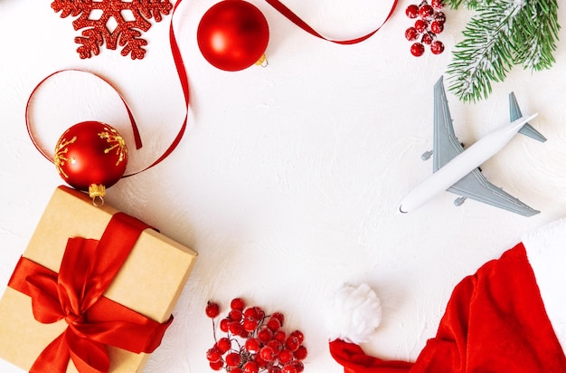 Kerst achtergrond met vliegtuig, reizen. selectieve aandacht aard