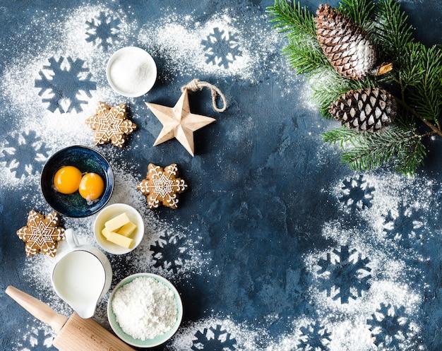 Kerst bakken ingrediënten met sneeuwvlok cookies