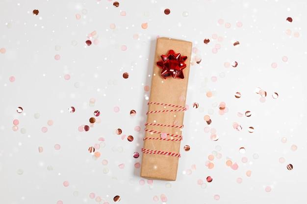 Kerst cadeau doos met gouden strik