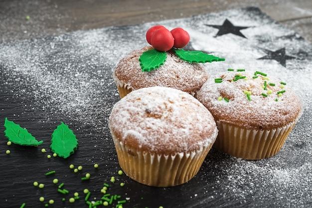 Kerst cupcakes koken en decoreren met maretak