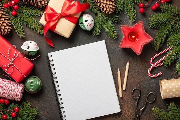 Kerst decoratie achtergrond. kerst- en nieuwjaarskaart