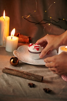Kerst dessert sneeuwpop cupcakes Premium Foto
