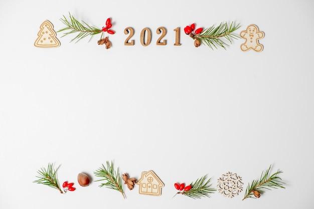 Kerst frame 2021 geïsoleerd op een witte achtergrond