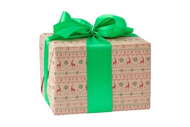 Kerst geschenkdoos geïsoleerd op witte achtergrond