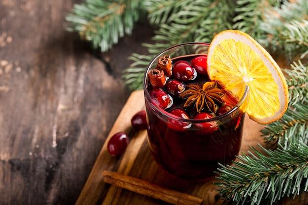 Kerst glühwein. traditioneel feestelijk drankje