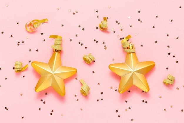 Kerst gouden sterren met confetti sterren en gouden lint