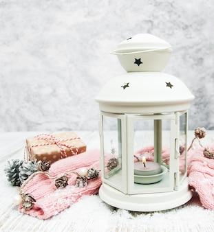Kerst lantaarn en decoraties