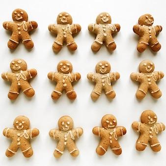 Kerst samenstelling peperkoek mannen koekjes