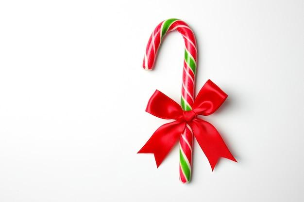 Kerst snoepgoed op witte achtergrond