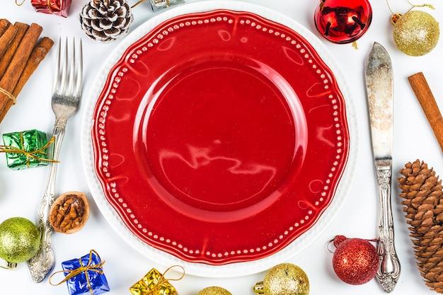 Kerst tabel instellen met kerstversiering