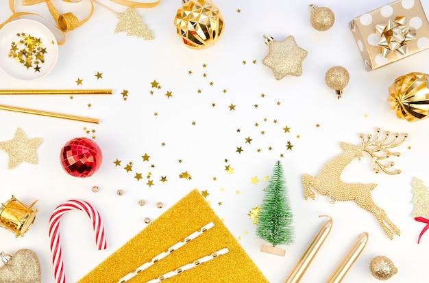 Kerst versiering. zuurstok en geschenken
