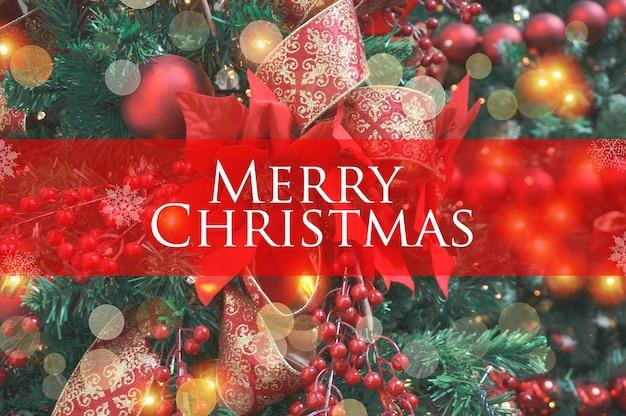 Kerstachtergrond met feestelijke decoratie en tekst - merry christmas
