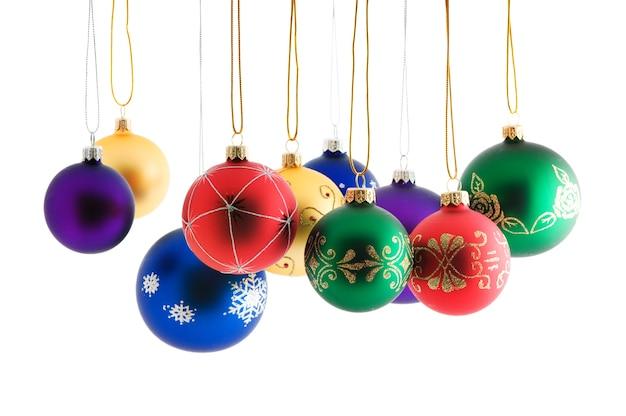 Kerstballen op wit