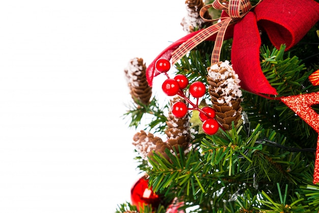 Kerstboom op een witte achtergrond