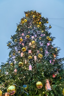 Kerstboom op sophia square in kiev