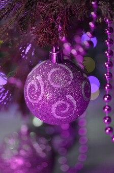 Kerstboom ultraviolet decor