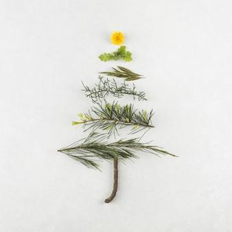 Kerstboom van verschillende takken