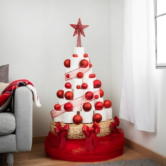 Kerstboom wc-papier binnenshuis