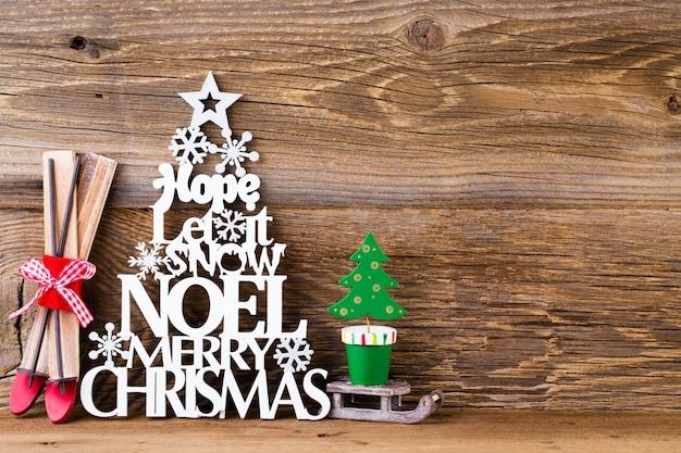 Kerstboom, wens van noel, sparren van de letters.