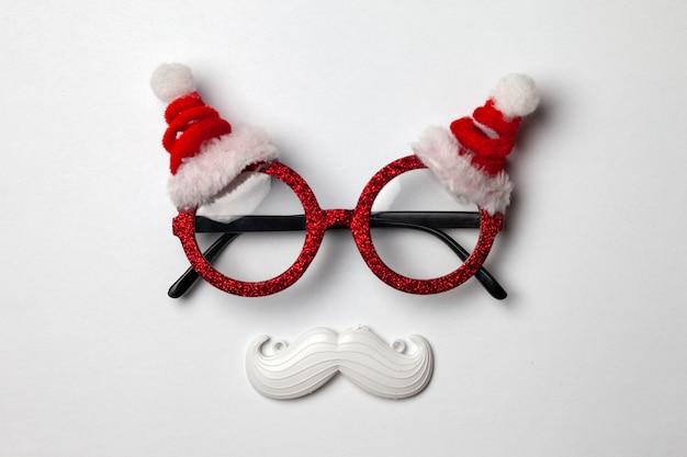 Kerstbril, snor en hoed