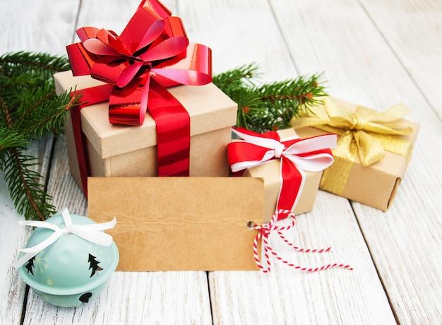 Kerstcadeau doos en decoraties