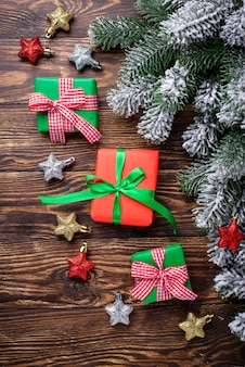 Kerstcadeau dozen en gestripte draad