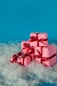 Kerstcadeaus, concept. veel geschenkdozen