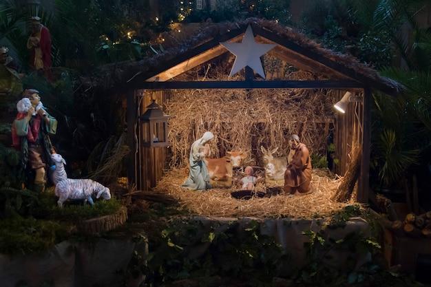 Kerstcrèche met jozef maria en kleine jezus