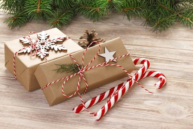 Kerstdecoratie met snoep stokken
