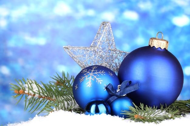 Kerstdecoratie op blauw