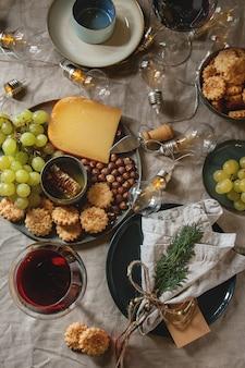 Kerstdiner gedekte tafel