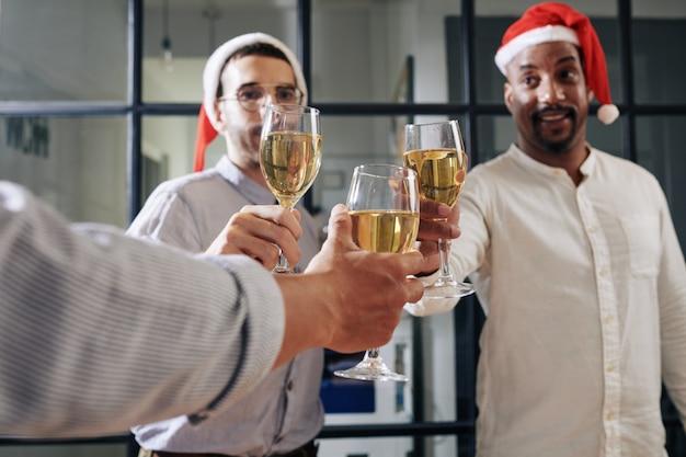 Kerstfeest in kantoor