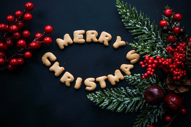 Kerstkaart met coockies en bessen