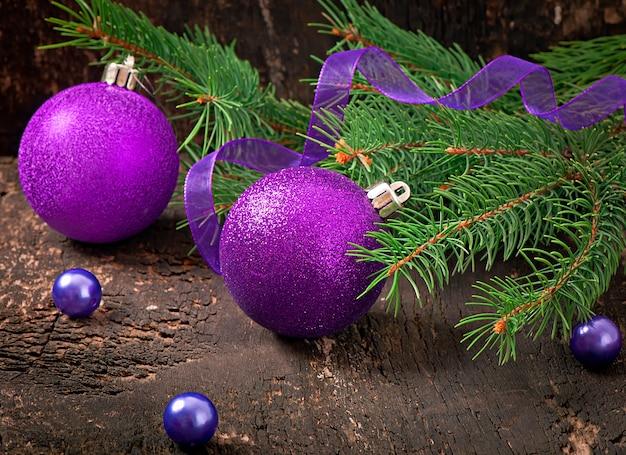 Kerstkaart met kerstballen