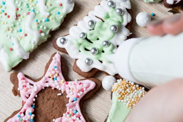 Kerstkoekjes maken,