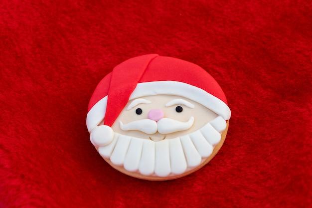 Kerstkoekjes met santa gezicht