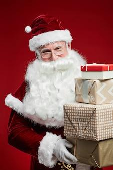 Kerstman met cadeautjes