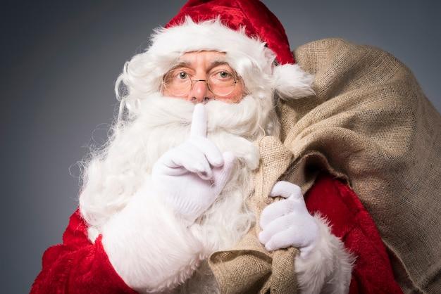 Kerstman met een cadeautjeszak