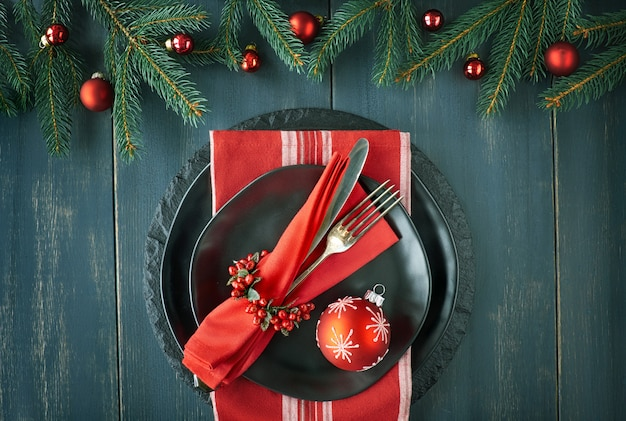Kerstmenu concept op donkere achtergrond