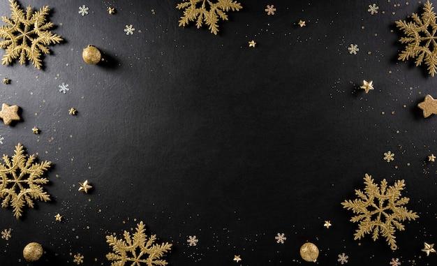Kerstmis en nieuwjaar achtergrondconcept. bovenaanzicht van kerstbal, vuren takken