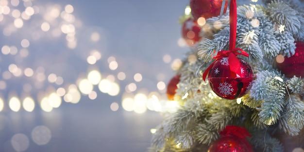 Kerstmis en nieuwjaar vakantie achtergrond. wazig bokeh achtergrond
