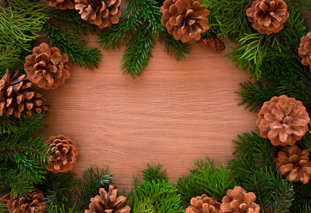 Kerstmis houten met spar. bekijken met copyspace